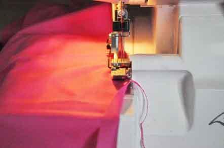 Обработка материала перед созданием детской юбки