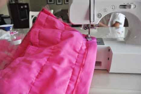 Обшиваем кромку для детской юбки